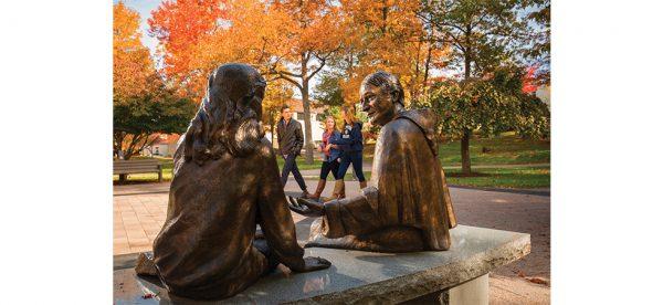 Père Emmanuel d'Alzon (1810-1880), fondateur des Assomptionnistes, sculpture Assumption College, Worcester Massachusetts, États-Unis